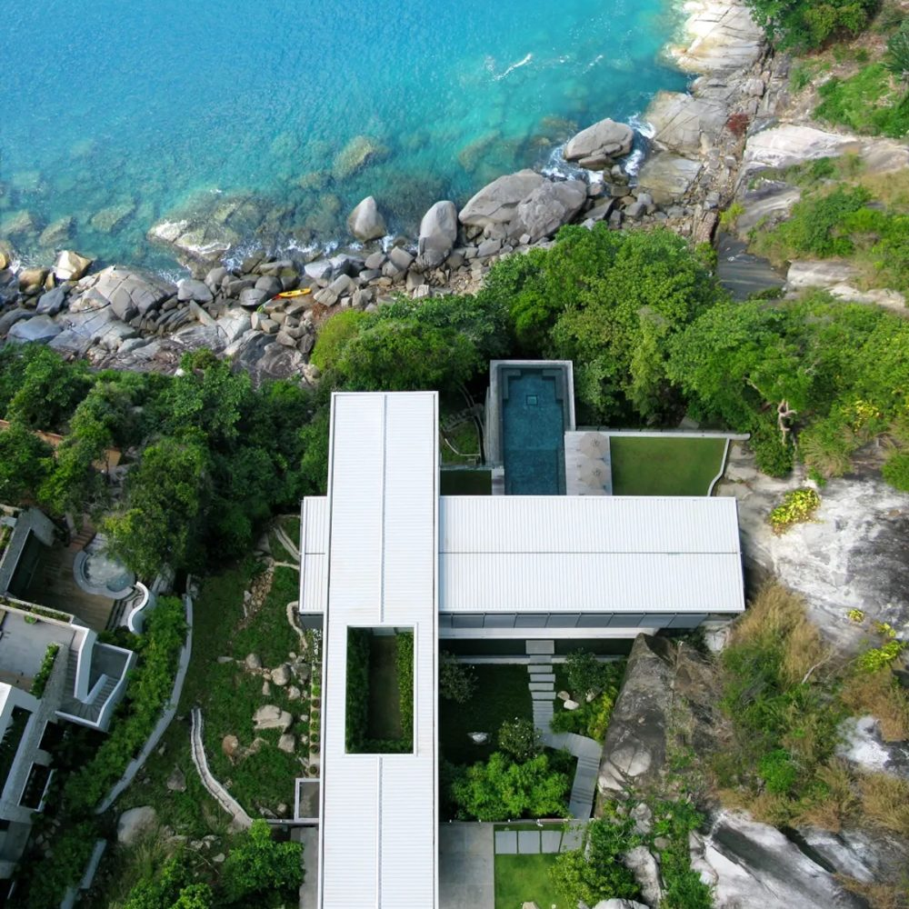 luxury-house-on-cliff