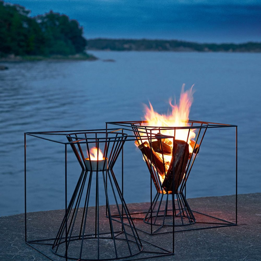 black-lacquered-steel-fire-basket
